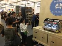 coffee-machine-crowd